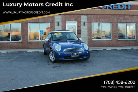 2005 MINI Cooper for sale at Luxury Motors Credit Inc in Bridgeview IL