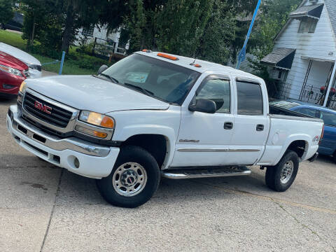 2005 GMC Sierra 2500HD for sale at Exclusive Auto Group in Cleveland OH