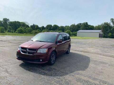 2017 Dodge Grand Caravan for sale at Caruzin Motors in Flint MI