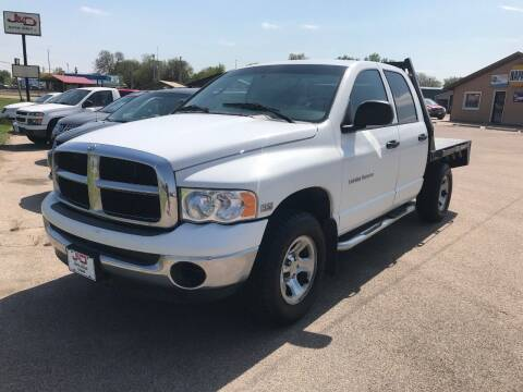 2004 Dodge Ram Pickup 1500 for sale at J & D Auto Sales in Cairo NE
