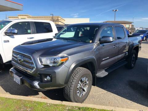 2017 Toyota Tacoma for sale at Deruelle's Auto Sales in Shingle Springs CA