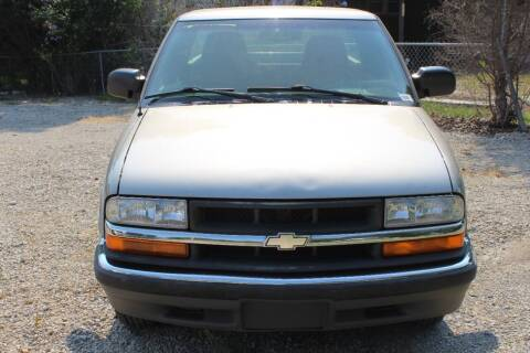 2000 Chevrolet S-10 for sale at Bailey & Sons Motor Co in Lyndon KS