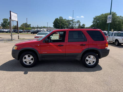 2001 Ford Escape for sale at Peak Motors in Loves Park IL