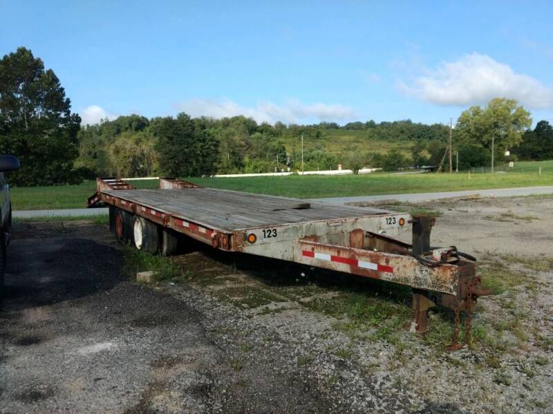 1985 DAKOTA LOWBOY for sale at G & H Automotive in Mount Pleasant PA