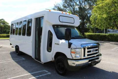 2015 Ford E-Series Chassis for sale at Truck and Van Outlet - Miami Inventory in Miami FL
