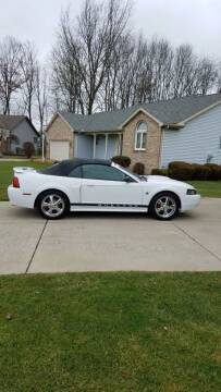 2004 Ford Mustang for sale at Country Auto Sales in Boardman OH