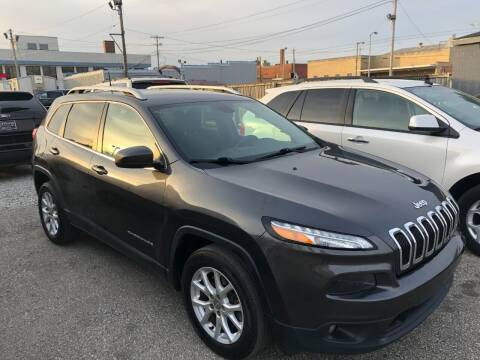 2017 Jeep Cherokee for sale at Kramer Motor Co INC in Shelbyville IN