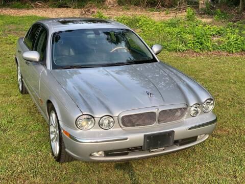 2004 Jaguar XJR for sale at Choice Motor Car in Plainville CT