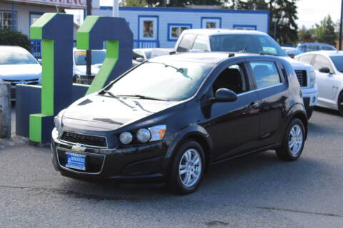2013 Chevrolet Sonic for sale at BAYSIDE AUTO SALES in Everett WA