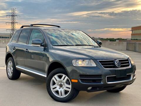 2005 Volkswagen Touareg for sale at Car Match in Temple Hills MD