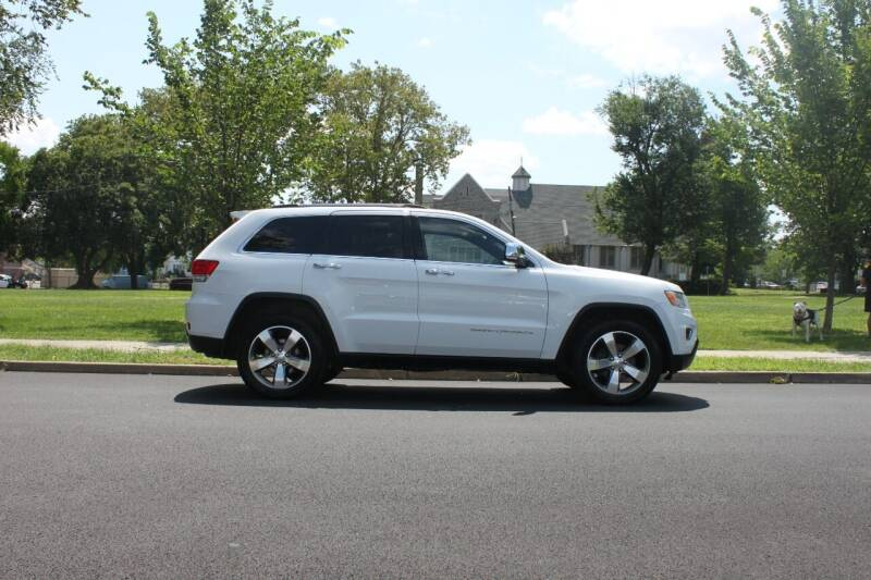 2014 Jeep Grand Cherokee for sale at Lexington Auto Club in Clifton NJ