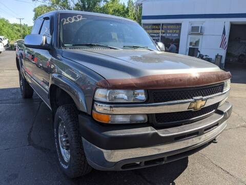 2002 Chevrolet Silverado 2500HD for sale at GREAT DEALS ON WHEELS in Michigan City IN