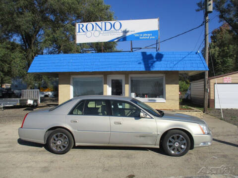 2007 Cadillac DTS for sale at Rondo Truck & Trailer in Sycamore IL