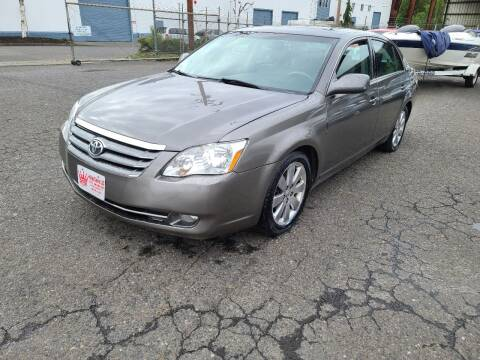 2005 Toyota Avalon for sale at Kingz Auto LLC in Portland OR