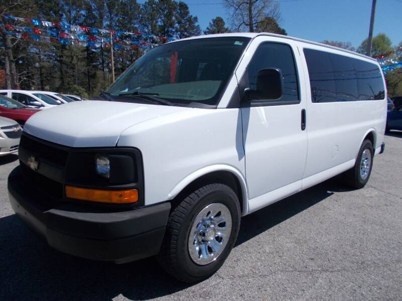2013 Chevrolet Express Passenger for sale at Culpepper Auto Sales in Cullman AL