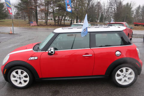 2010 MINI Cooper for sale at GEG Automotive in Gilbertsville PA
