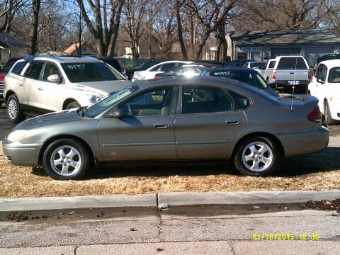 2004 Ford Taurus for sale at D & D Auto Sales in Topeka KS
