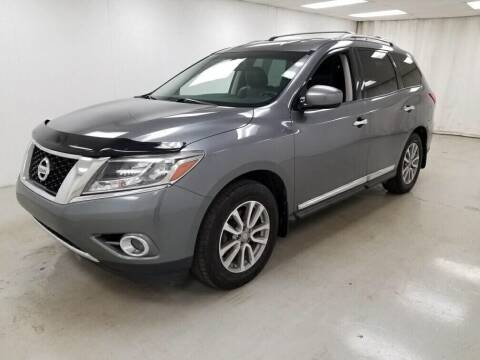 2015 Nissan Pathfinder for sale at Kerns Ford Lincoln in Celina OH