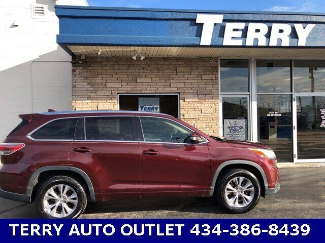 2015 Toyota Highlander for sale at Terry Auto Outlet in Lynchburg VA