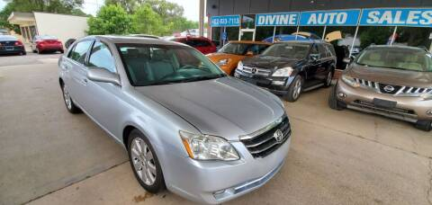 2005 Toyota Avalon for sale at Divine Auto Sales LLC in Omaha NE