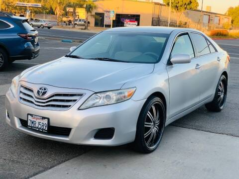 2011 Toyota Camry for sale at United Star Motors in Sacramento CA