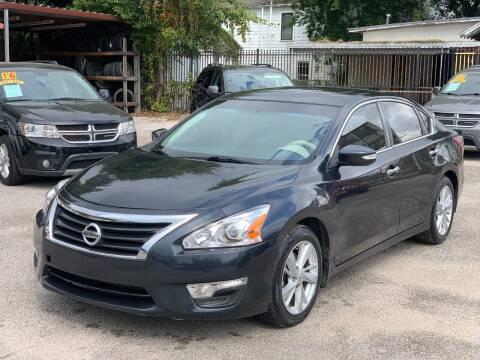 2013 Nissan Altima for sale at David Morgin Credit in Houston TX