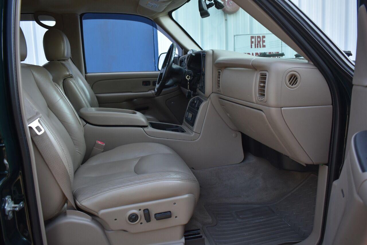2004 Chevrolet Silverado 2500HD LT 4dr Crew Cab 4WD SB full