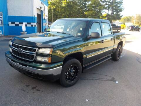 2006 Chevrolet Silverado 1500 for sale at RTE 123 Village Auto Sales Inc. in Attleboro MA