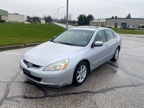 2004 Honda Accord for sale at JE Autoworks LLC in Willoughby OH