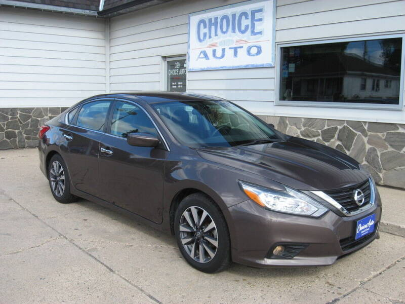 2017 Nissan Altima for sale at Choice Auto in Carroll IA