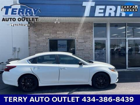 2017 Nissan Altima for sale at Terry Auto Outlet in Lynchburg VA