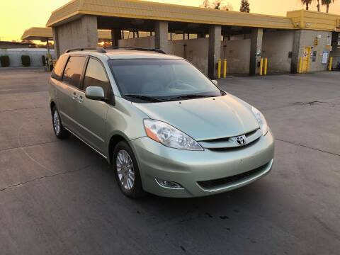 2008 Toyota Sienna for sale at Fast Lane Motors in Turlock CA