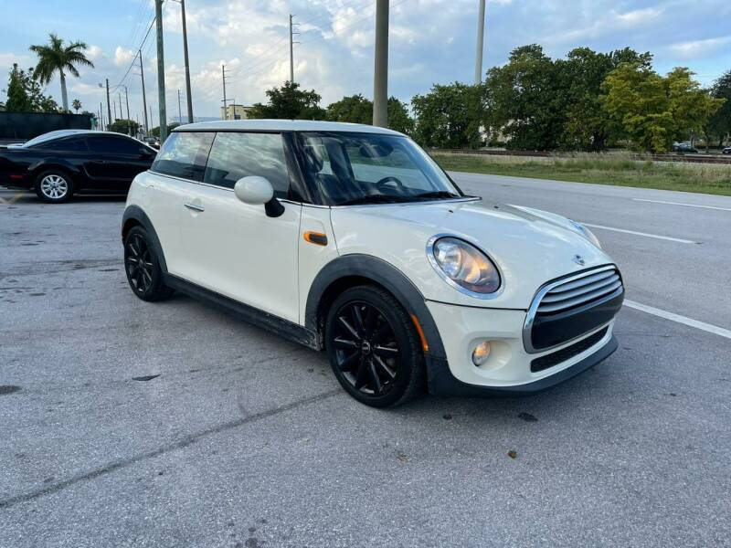 2014 MINI Hardtop for sale at UNITED AUTO BROKERS in Hollywood FL