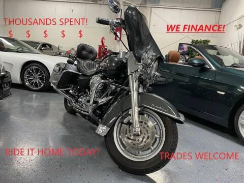 2005 Harley Davidson Roadking Streetglide for sale at Luxury Auto Finder in Batavia IL