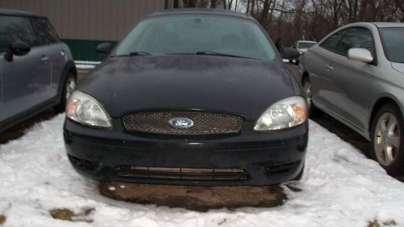 2007 Ford Taurus for sale at Griffon Auto Sales Inc in Lakemoor IL