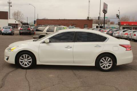 2014 Nissan Altima for sale at Epic Auto in Idaho Falls ID