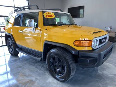 2007 Toyota FJ Cruiser for sale at Crossroads Car & Truck in Milford OH