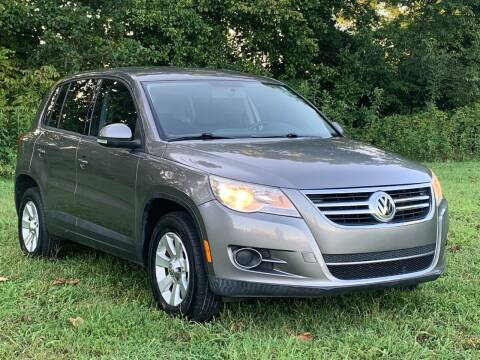 2010 Volkswagen Tiguan for sale at Essen Motor Company, Inc in Lebanon TN