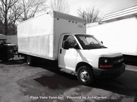 2009 Chevrolet Express Cutaway for sale at Vans Vans Vans INC in Blauvelt NY