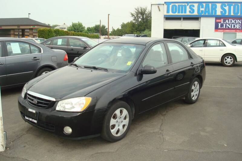 2005 Kia Spectra for sale at Tom's Car Store Inc in Sunnyside WA