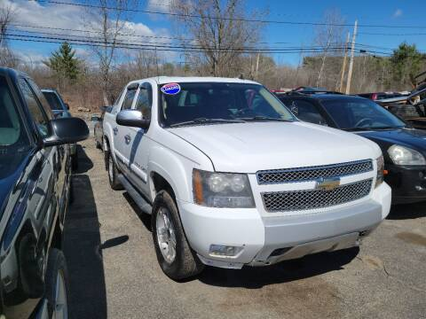2008 Chevrolet Avalanche for sale at GLOVECARS.COM LLC in Johnstown NY