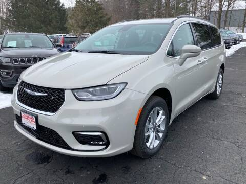 2021 Chrysler Pacifica for sale at Louisburg Garage, Inc. in Cuba City WI