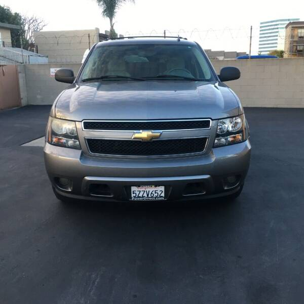 2007 Chevrolet Suburban for sale at American Wholesalers in Huntington Beach CA