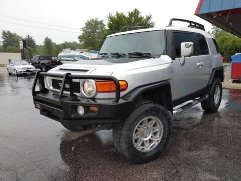 2007 Toyota FJ Cruiser for sale at Cruisin' Auto Sales in Madison IN