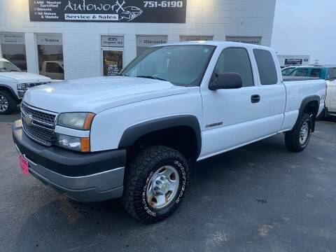 2005 Chevrolet Silverado 2500HD for sale at BISMAN AUTOWORX INC in Bismarck ND