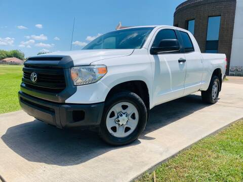 2014 Toyota Tundra for sale at AUTO DIRECT Bellaire in Houston TX