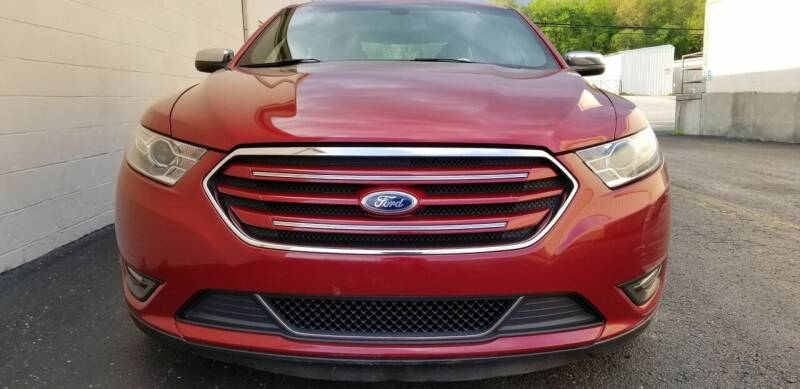 2013 Ford Taurus for sale at Derby City Automotive in Louisville KY