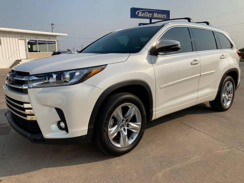 2019 Toyota Highlander for sale at Keller Motors in Palco KS
