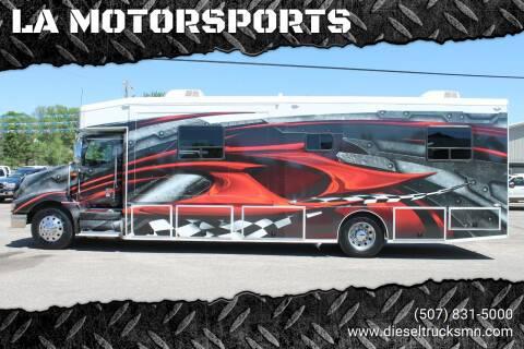 2001 International 9400 for sale at LA MOTORSPORTS in Windom MN