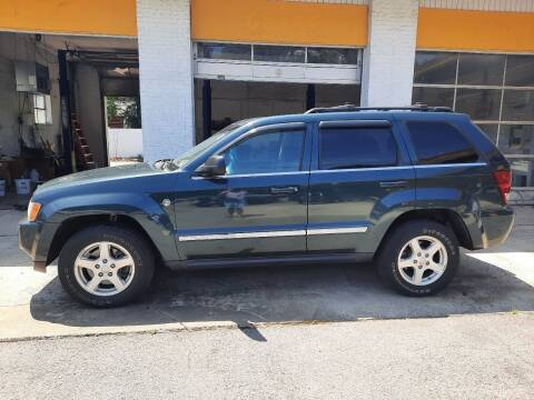 2005 Jeep Grand Cherokee for sale at PIRATE AUTO SALES in Greenville NC